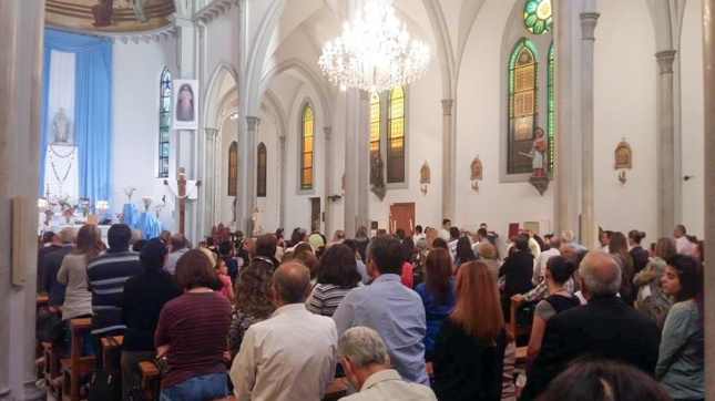 Syrian Christians gather for prayer on Sunday 8 May