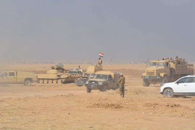 The military on their way to Qaraqosh.